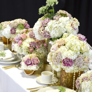 Romantic Style Wedding Table Setting with Hydrangeas and Carnations