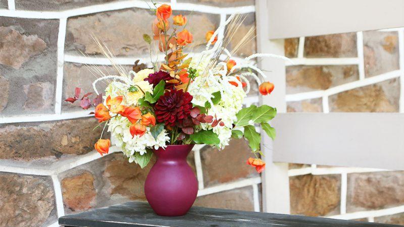 3028-12-7012-Lulita-Vase-Burgundy-02-Cover